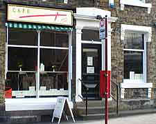 cafe plus honley.jpg (22395 bytes)